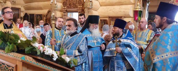 Престольный праздник в храме Казанской иконы Божией Матери в с. Бушарино.